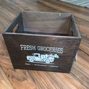 🆕🛍 Farmhouse Storage Box